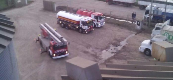 Bomberos Voluntarios Baradero trabajó 6 horas para apagar el fuego en la secadora de granos